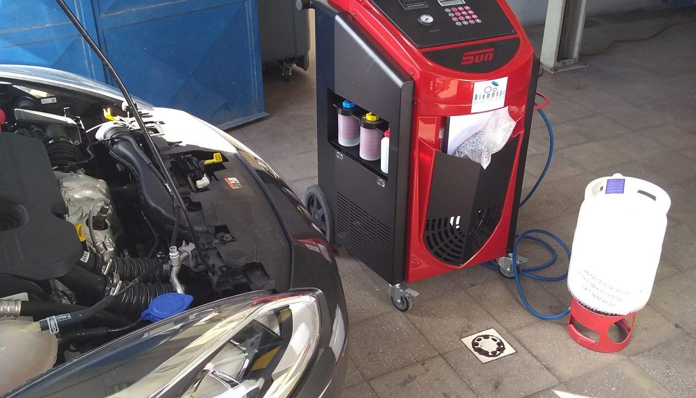 Stazione ricarica aria condizionata gas 1234yf